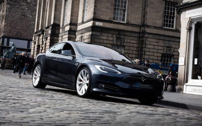 Chauffeur Tesla in Edinburgh